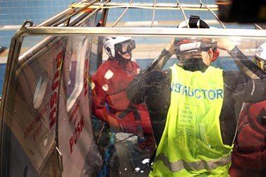HUET - Ucieczka z tonącego śmigłowca